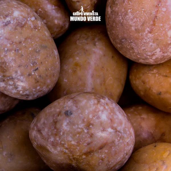 Piedra de mármol amarillo grande